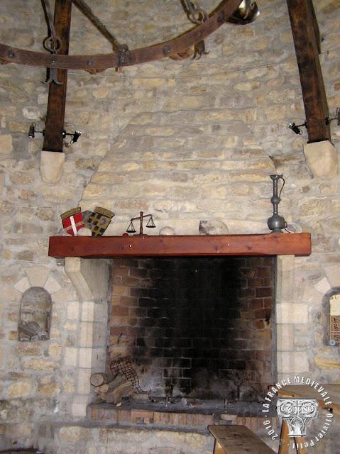 SAINT-QUENTIN-FALLAVIER (38) - Le château de Fallavier