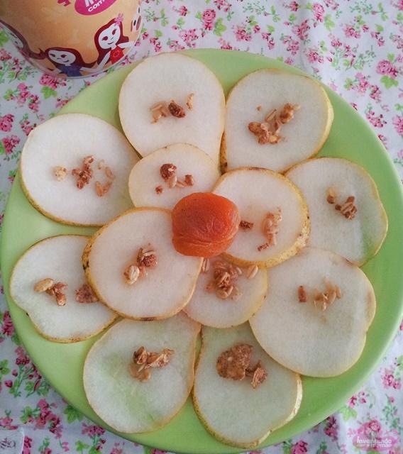 carpaccio de pera com mel e nozes