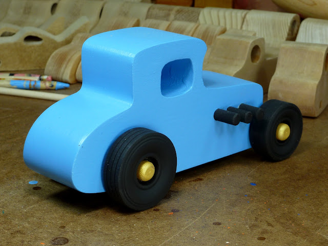 20170522-192812 Wooden Toy Car - Hot Rod Freaky Ford - 27 T Coupe - MDF - Blue - Black - Gold 06