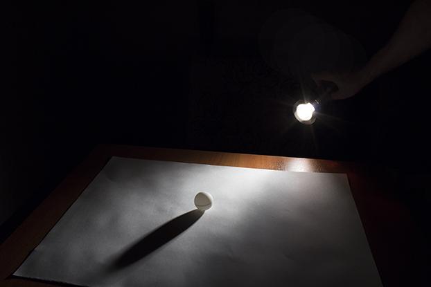 47-шар-белый-свет-как-получается-светотень