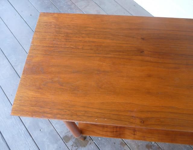 DIY fix for scratches in wood furniture