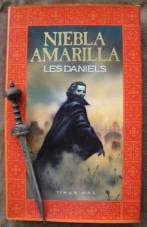 Portada del libro Niebla amarilla, de Les Daniels