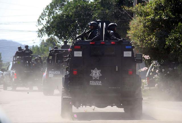 """POLICIAS FEDERALES """"SE QUEDAN SIN DINERO y SIN ACADEMIA"""" en """"DOMINIOS"""" del MENCHO del C.J.N.G"""