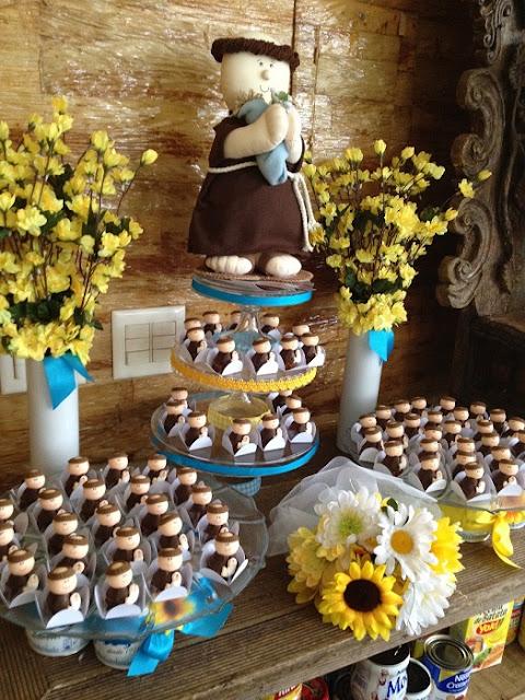 charraia-chá-de-cozinha-ou-panela-de-decoracao-com-o-tema-de-festa-junina-decoracoes5