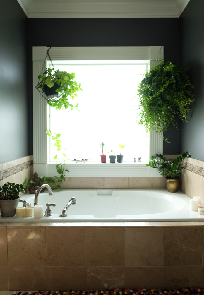 A Master Bathroom Update Embraces the Dark Side (Before and After)-design addict mom