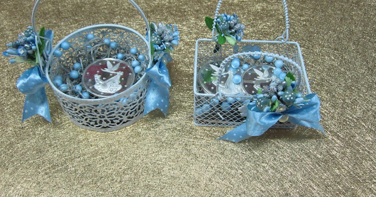 Baby shower metal small baskets.