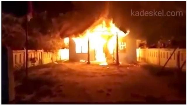 Kantor Pangulu Marihat Pondok yang terbakar