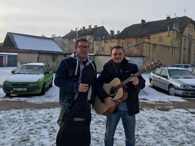 Kolej Transsyberyjska z gitarami?