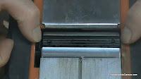 Centrar las cuchillas para que no tropiecen con nada. http://www.enredandonogaraxe.com