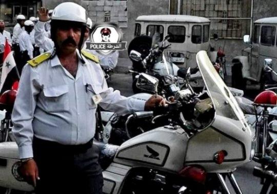 شرطي مرور ينقذ 3 فتيات في العاصمة دمشق.؟