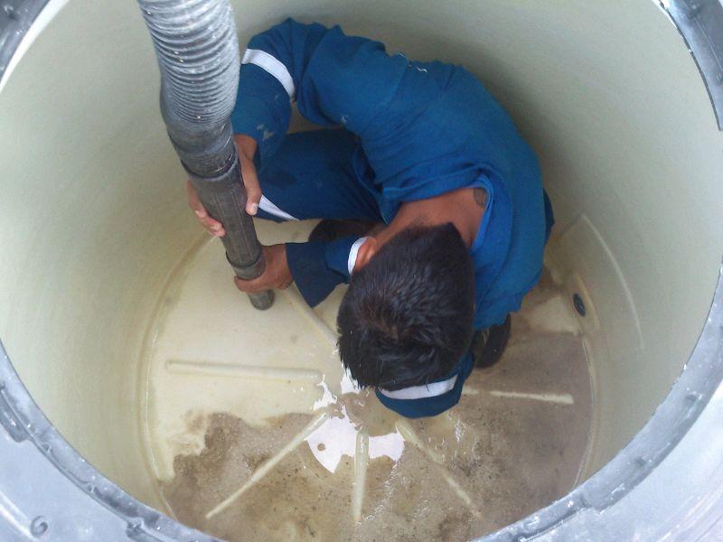Desatascos en zaragoza 976 990 945 muy econ micos for Limpieza de pozos de agua