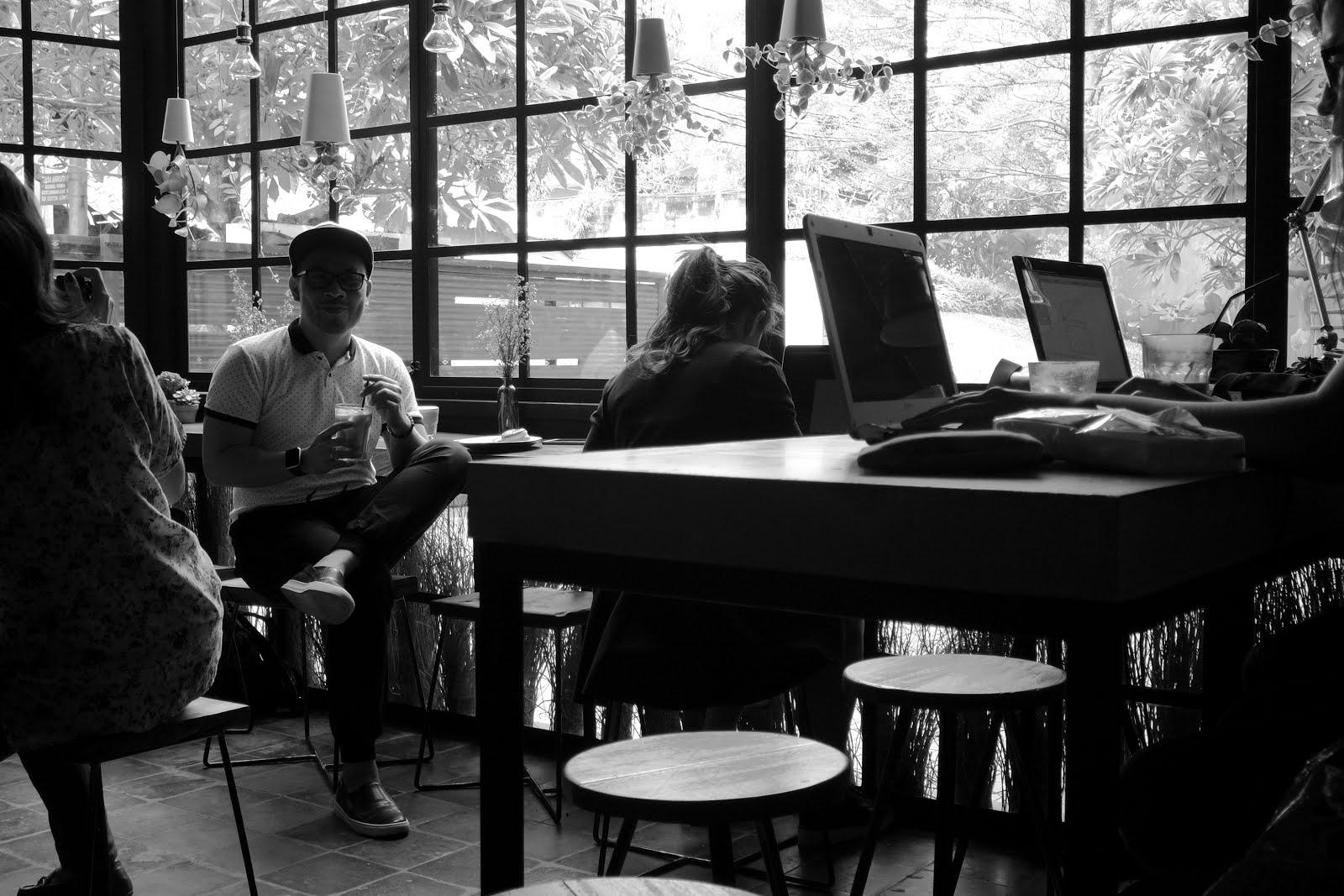 Fillmore Coffee : Seperti di Dunia Lain - Inside 2