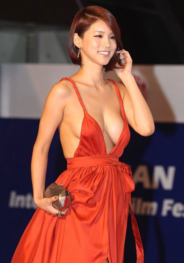 Foto Payudara Sexy Oh In Hye Yang Sensasional