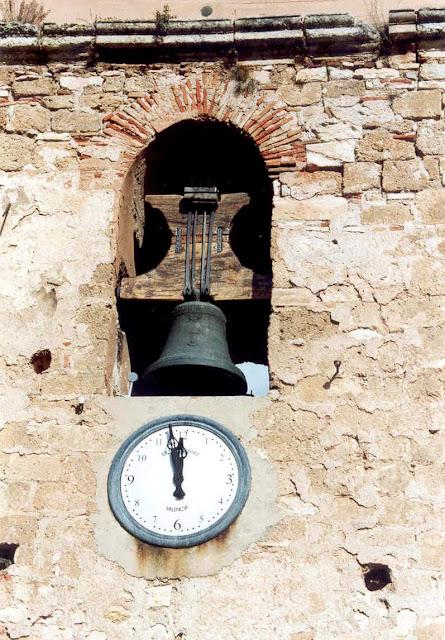 castielfabib-valencia-torre-campanario-reloj