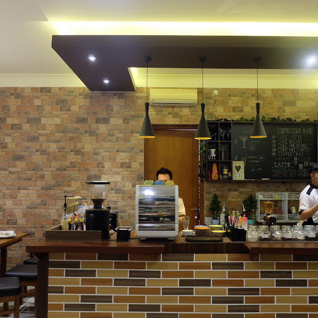 The oasis cafe pekalongan