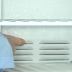 Atasi Penumpukan Bunga Es di Freezer dengan Jasa Service Kulkas
