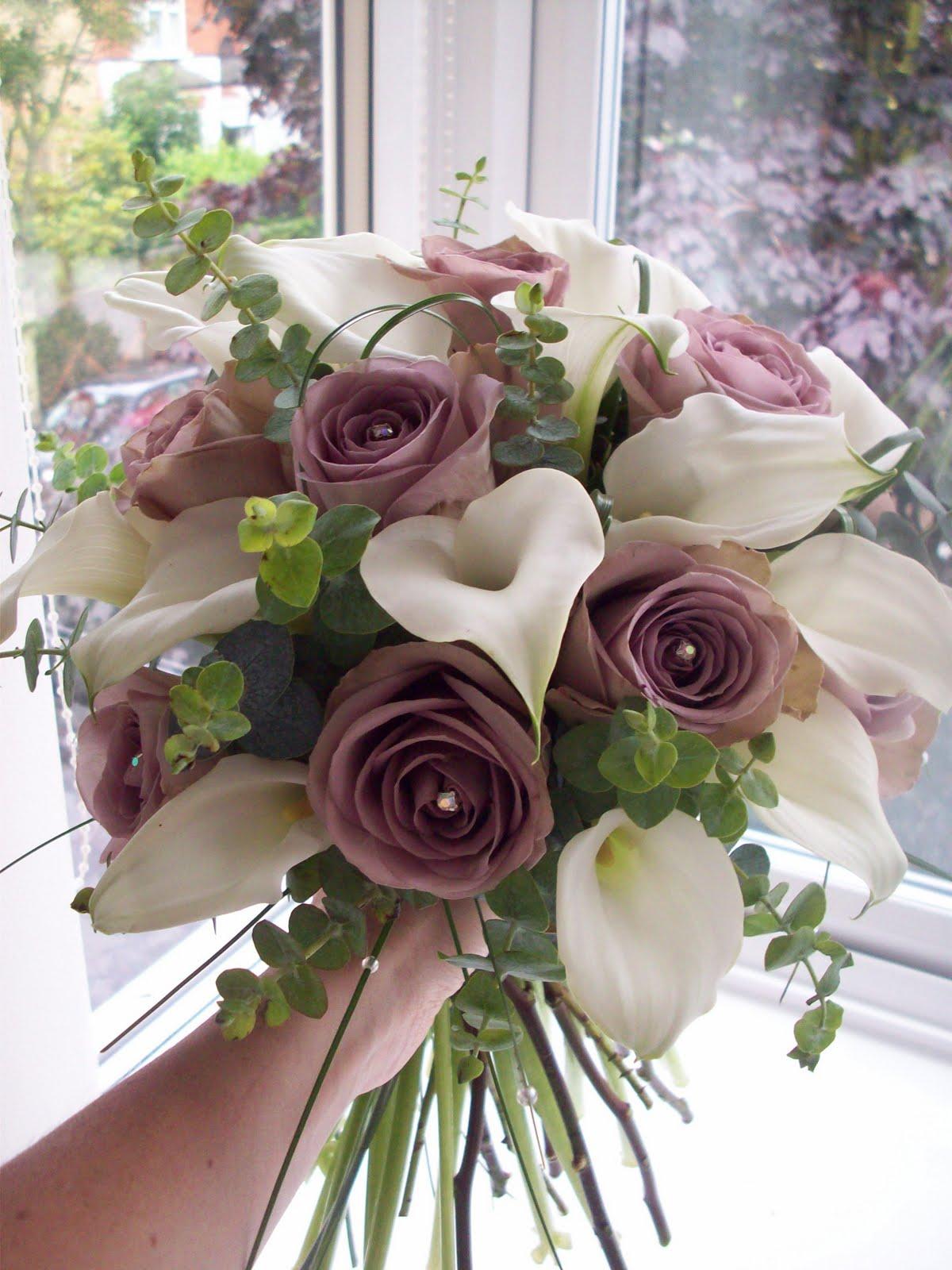 florian designer florist wedding flower specialist june 2011. Black Bedroom Furniture Sets. Home Design Ideas