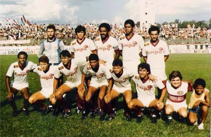 Em 1986 - Time da Ferroviária que enfrentou o Paulista de Jundiaí pelo  Paulistão de 1986 59d770af07712