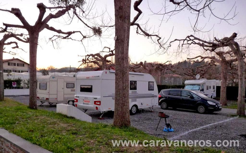 Foto de la Caravana Adria Altea 462. Camping LArrouleta | caravaneros.com