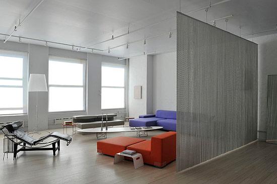 Dây lưới lấp lánh tạo cảm giác mềm mại và sang trọng cho ngôi nhà.