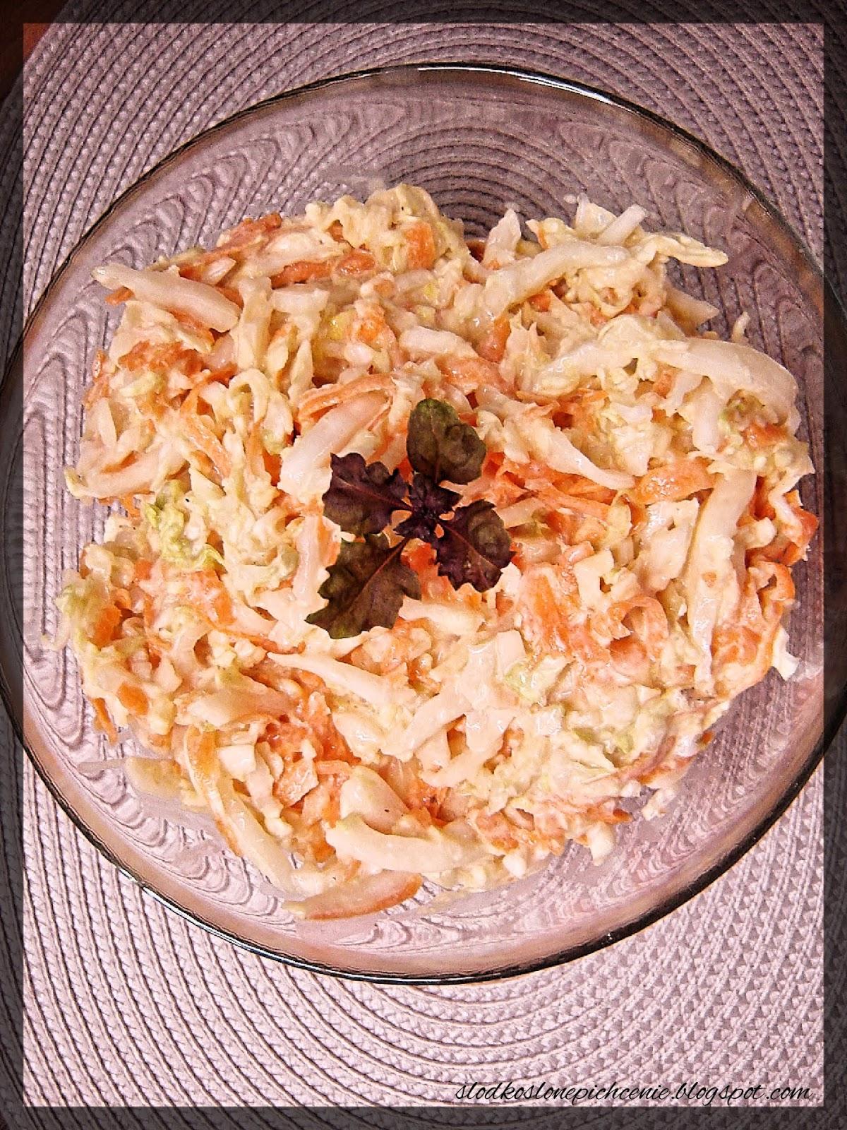 Surówka z kapusty pekińskiej z sosem chrzanowym