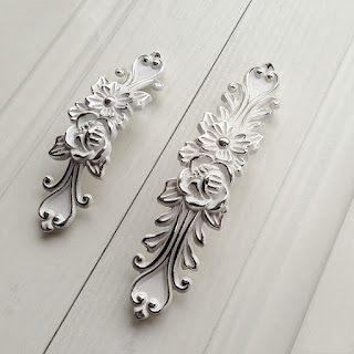 https://www.etsy.com/listing/472752992/375-5shabby-chic-dresser-drawer-pulls?ga_order=most_relevant&ga_search_type=all&ga_view_type=gallery&ga_search_query=french country dresser&ref=sc_gallery_1&plkey=be17a96006f78ed543bb861eb8d67eecbe0d7569:472752992