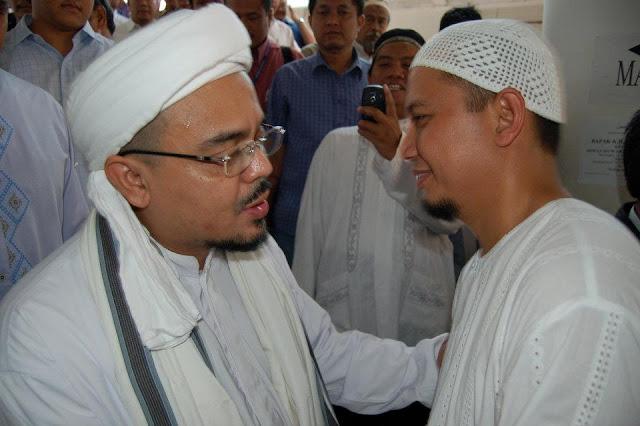 Bercerminlah Sebelum Kalian Lontarkan Opini-opini Miring Terhadap Habib Rizieq!
