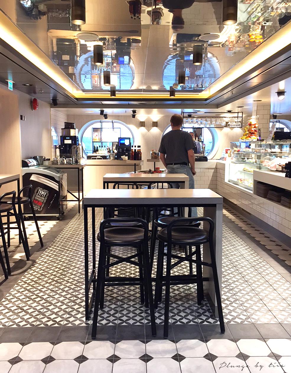 Cafe in Silja Serenade