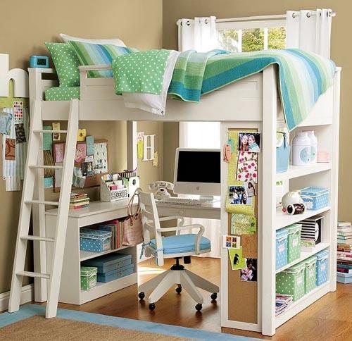 Cama arriba escritorio abajo via for Habitaciones con camas altas