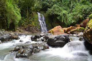 Waterfall in November at Rio Viejo in Puriscal