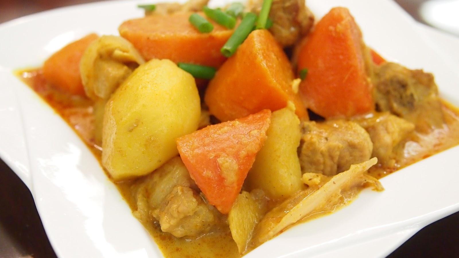 Sicikitchen: Curry Curry 咖哩薯仔炆排骨 (25 mins recipe)