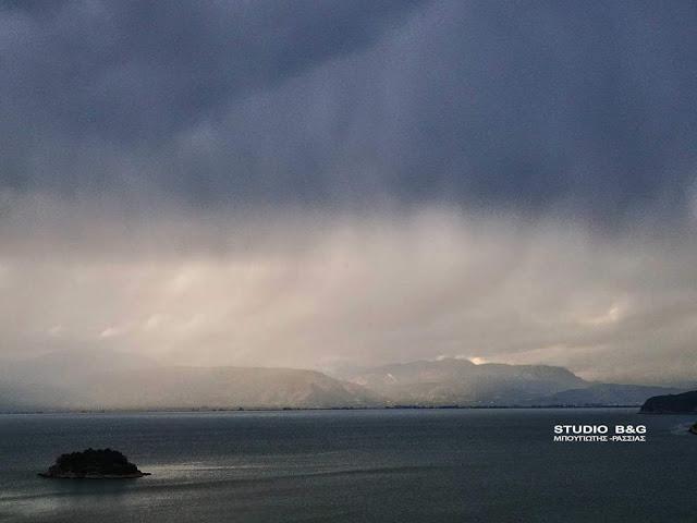 Καιρός: Έρχεται ο «Φοίβος» με βροχές, καταιγίδες, χαλάζι και θυελλώδεις ανέμους μέχρι την Κυριακή