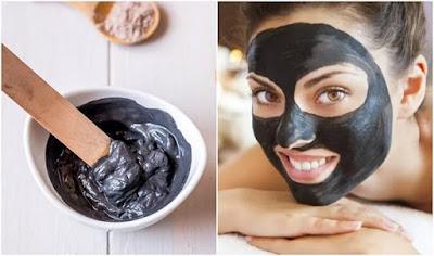 masque au charbon pour éliminer les points noirs