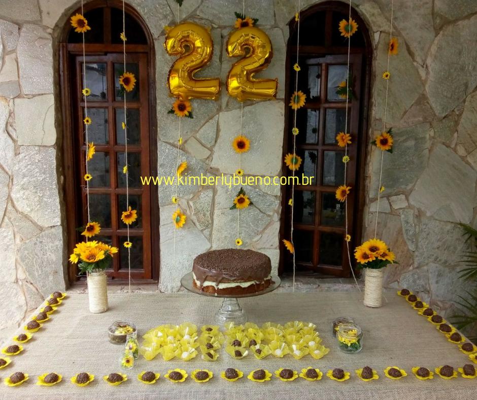 Kimberly Bueno Como fazer uma festa de girassol gastando pouco! Diy -> Decoração De Girassol Para Aniversario