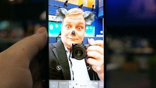 XOS 5 cheetah AI for video chats