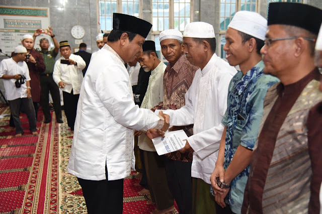 Catatan Silaturrahmi Paman Birin di Bulan Suci, Safari Hari ke 21 Ramadhan Gubernur Kalsel Serahkan Bantuan Rp 6, 6 M