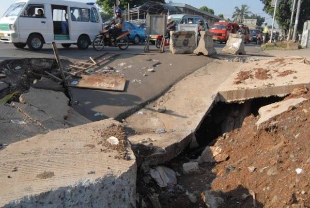 Tanah di Malang Bergerak Turun Hingga 3 Meter