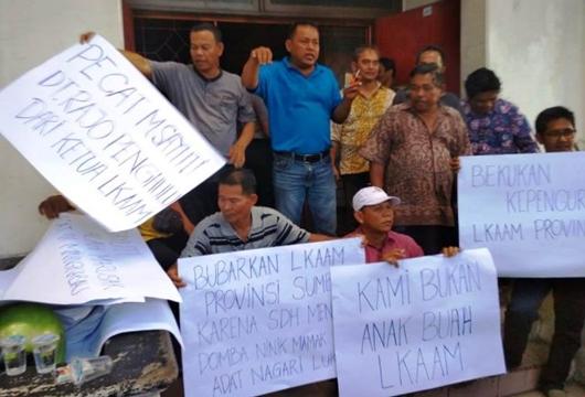 Soal KAN Bayangan, Anak Nagari Luki Tuntut LKAAM Kota Padang dan Sumbar Dibekukan