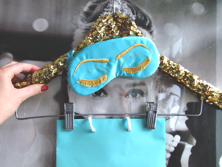Audrey approves #giveaway #sleepycottage #glitterandbow #tiffanyblue