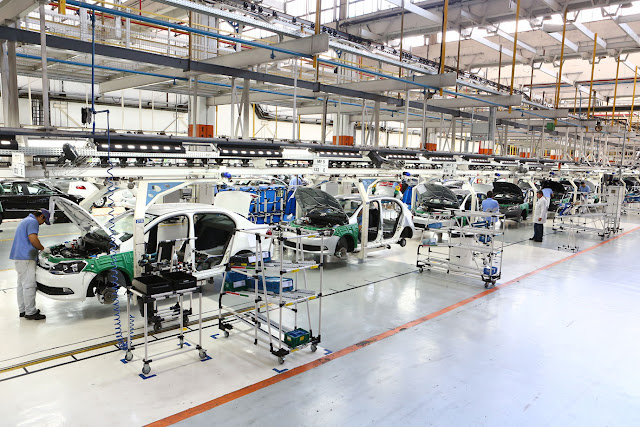 Greve pausa produção de 10 fábricas de automóveis