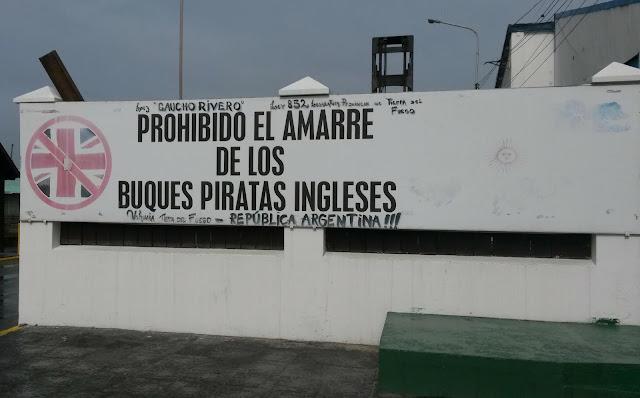 ushuaia-navi-pirata-