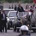 VÍDEO: Cavalo se assusta e quase derruba Michelle em cerimônia de posse