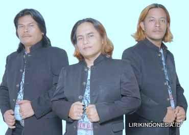 Lirik Arang Tampurung dari Trio Elexis