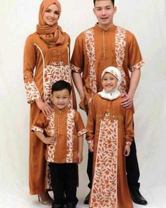 Bemacam Model Baju Batik Couple Untuk Keluarga