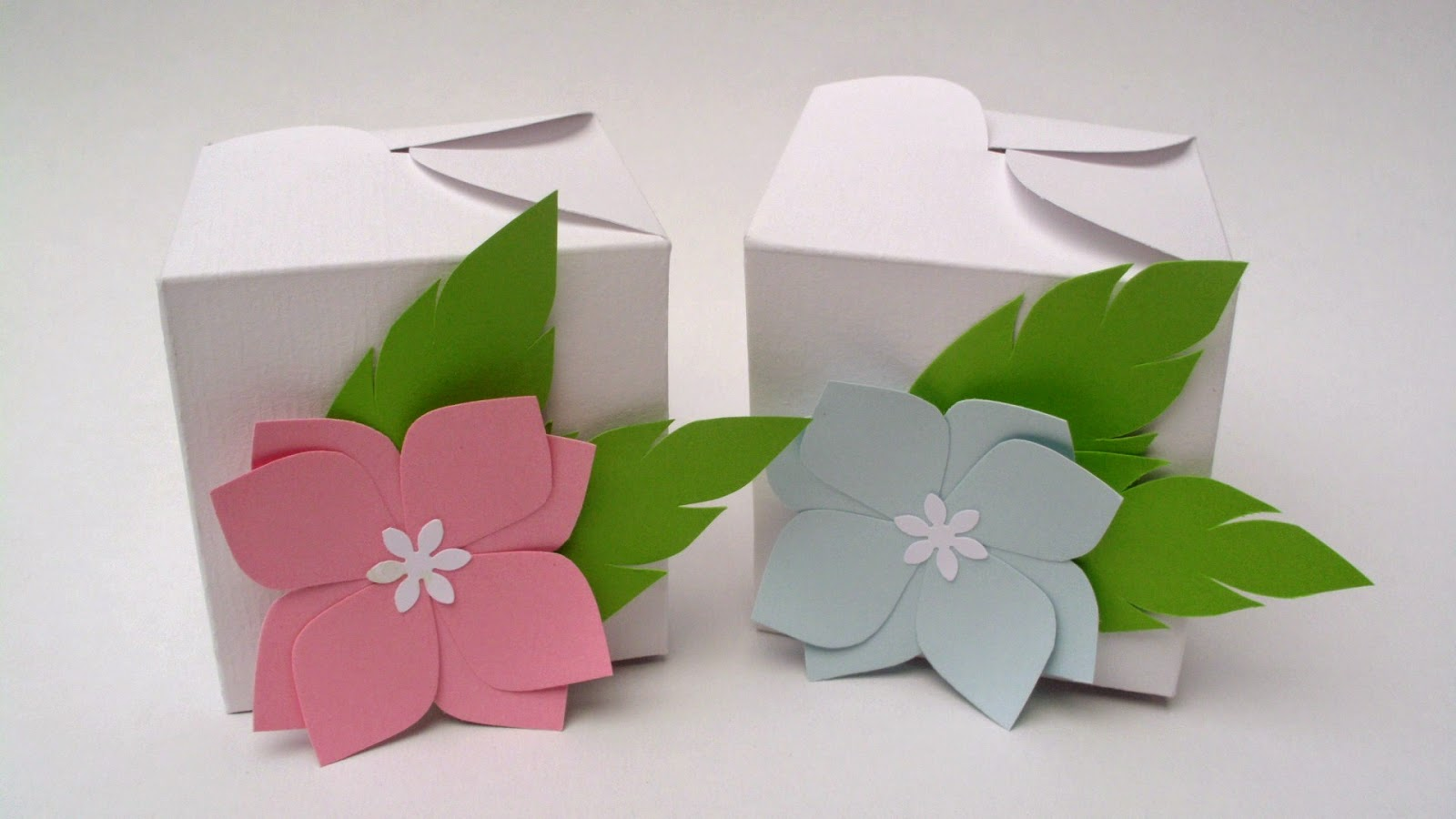 handmade favor boxes with paper flowers