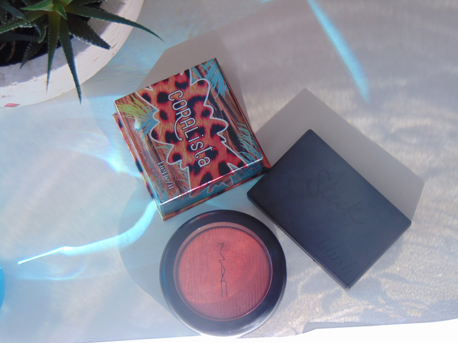 benefit coralista mac extra dimension cheeky bits sleek rose gold blush