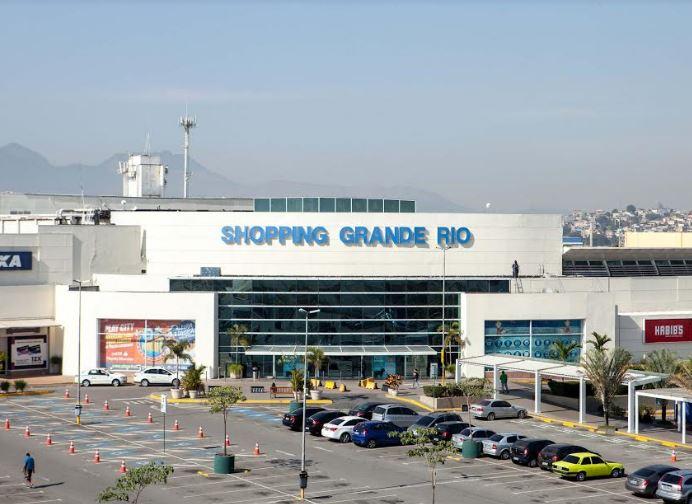 ceca2fdcc3399 A Praça de Alimentação do Shopping Grande Rio vai ficar agitada durante a  semana. O empreendimento abre seu palco para o público, dando oportunidade  aos ...