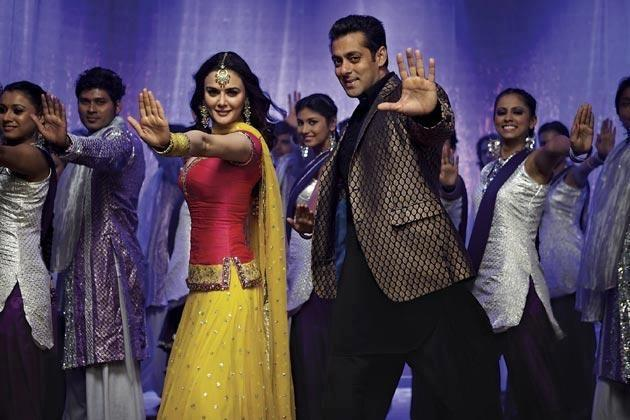 1st Look Of Salman Khan And Preity Zinta In Ishkq In Paris
