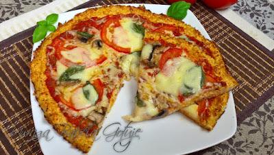 Pizza na  cieście z kalafiora