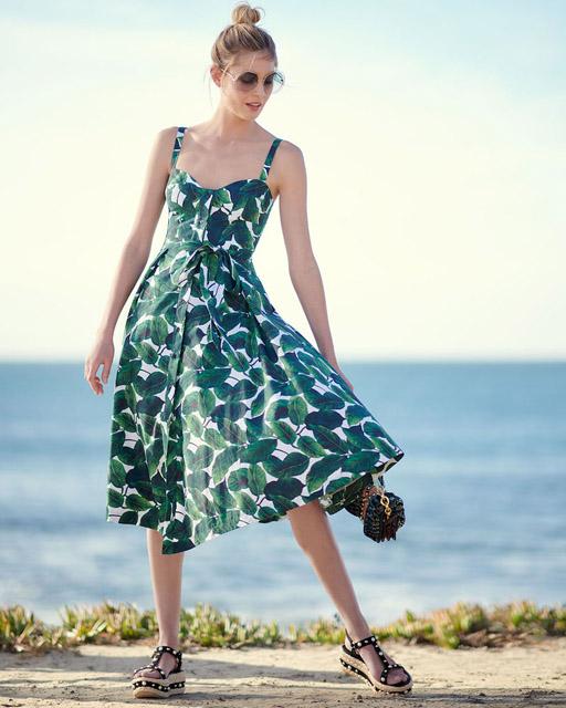 Платье с принтом листья силуэта new look для фигуры груша
